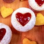 Cupcake con corazón de fresa para San Valentín