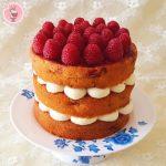 Nude cake de frambuesas y chocolate blanco