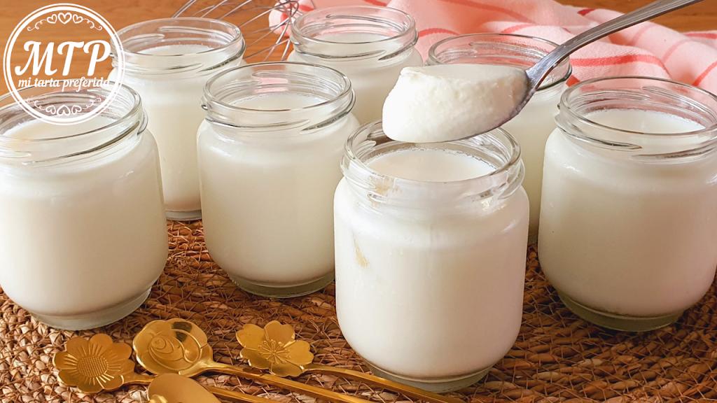 Yogur natural sin yogurtera
